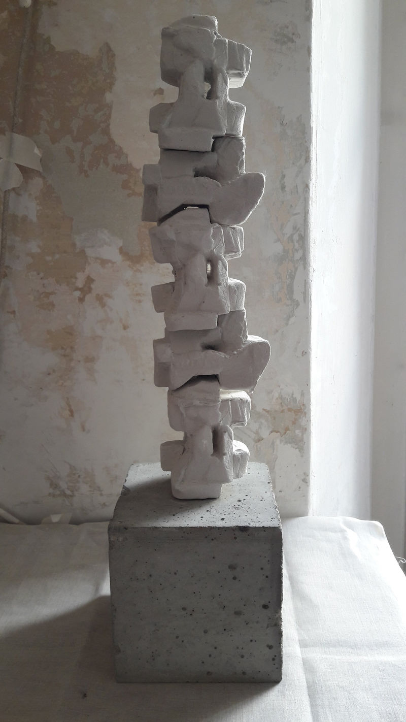 Vertical Core #1 Quality Bodies - a Sculpture & Installation by LATINA ZOICH