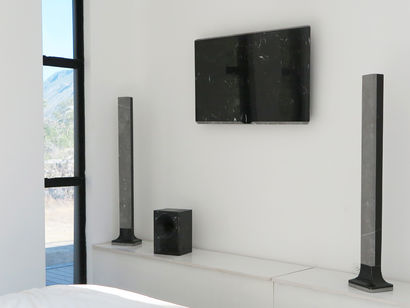 Lo-Fi / LCD screen and surround system - a Art Design Artowrk by enrico