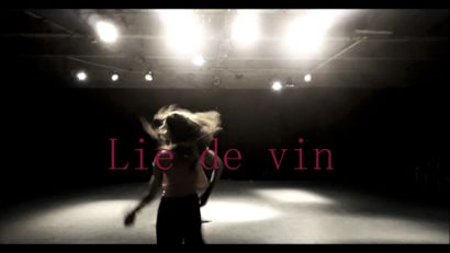 Lie de vin - a Performance Artowrk by Elea Robin
