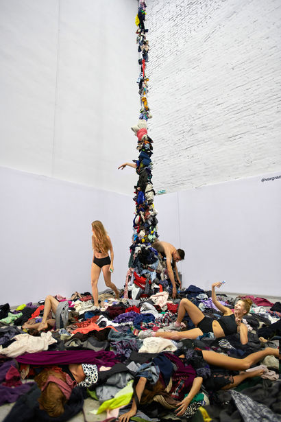 swap power - a Sculpture & Installation Artowrk by Varvara Grankova