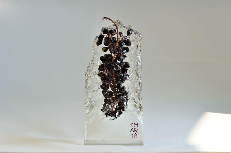 Grape 02 - Ice - a Sculpture & Installation by Emanuele Marchesini