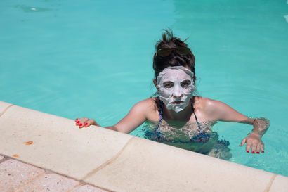 Cristina doesn't like water - A Photographic Art Artwork by Diego Teisa
