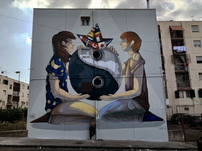 The balance of opposite - a Urban Art Artowrk by Alessandra Carloni